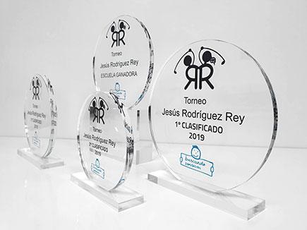 Trofeos de golf en metacrilato incoloro personalizados