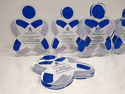 Trofeos de metacrilato para el Colegio Oficial de Enfermería con impresión personalizada