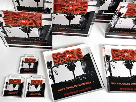 Trofeos y medallas de metacrilato con impresión digital directa